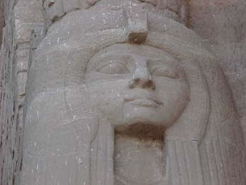 The Statue of Hathor at Abu Simbel (13kb)