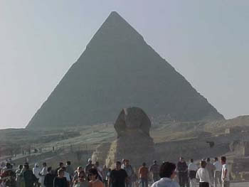 The Sphinx with King Khafre's Pyramid (10kb)