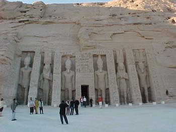 The Temple of Hathor Dedicated to Queen Nefertari (17kb)