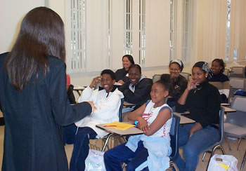 African American Teacher Fair: Guest Tineskia Robinson inspires students with 'Living Life to the Fullest' (22kb)