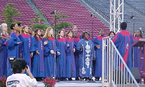 The Fresno State Gospel Choir Inspires the Crowd (25kb)
