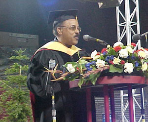 Dr. Robert Mikell Addresses the Graduates (27kb)